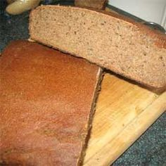 Enjoy this Lithuanian rye bread recipe (ruginė duona) and you'll see why dark rye bread has been popular in Lithuanian homes for centuries! Rye Bread Recipes, Sourdough Recipes, Pastry Recipes, Baking Recipes, Polish Rye Bread Recipe, Lithuanian Recipes, Savoury Baking, Healthy Baking, Breads