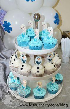 Frozen Birthday Cupcakes, Elsa Birthday Party, Frozen Birthday Theme, Frozen Themed Birthday Party, Frozen Cake, Carnival Birthday, 4th Birthday, Pastel Frozen, Elsa Frozen