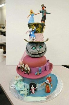 Funny pictures about Alice in Wonderland Cake. Oh, and cool pics about Alice in Wonderland Cake. Also, Alice in Wonderland Cake. Pretty Cakes, Cute Cakes, Beautiful Cakes, Yummy Cakes, Amazing Cakes, Crazy Cakes, Fancy Cakes, Unique Cakes, Creative Cakes