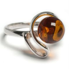 Cognac Sphere with Ribbon Twist Ring