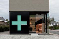 Pharmacy M par Caan Architecten