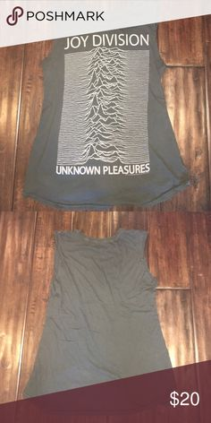 Brandy Melville Joy Divisions Top Cute and comfortable band tee Brandy Melville Tops Muscle Tees