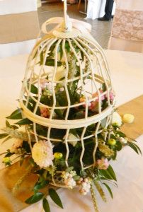 Floral Birdcage  www.blueorchid-events.com