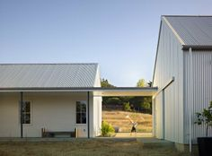 This beautiful contemporary farmhouse style home was designed by Nick Noyes Architecture, located in the city of Healdsburg, in Sonoma County, California. Roof Design, Exterior Design, House Design, Roof Architecture, Residential Architecture, Modern Farmhouse, Farmhouse Style, Bungalow, Barn Siding