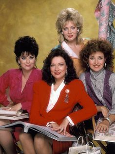 Dixie Carter gave Julia Sugarbaker a sharp dry wit that endeared her forever to Designing Women fans. News of the stars death led to an outpouring of affection on PopWatch so Dixie Carter, Jean Smart, Delta Burke, Vintage Television, Vintage Tv, Vintage Fashion, Old Tv Shows, Tv Guide, Classic Tv