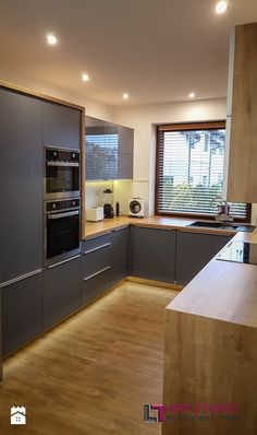 Kitchen Decor Ideas Apartment is categorically important for your home. Whether you pick the Color Ideas For Kitchen Walls or How To Decorate Kitchen Walls, you will create the best Paint Ideas For Kitchen Walls for your own life. Kitchen Sets, Kitchen Layout, Kitchen Decor, Modern Kitchen Design, Interior Design Kitchen, Rustic Cabinets, Kitchen Cabinets, Kitchen Walls, Dark Cabinets