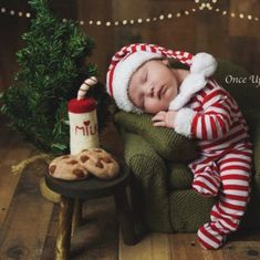 Felt Milk and Cookies for Santa! Hurry before it sells out this year! ♥️🎅🏻 #woolysquirrel #babychristmasphotos #newbornphotographer #babyphotos #christmasprops Newborn Christmas Pictures, Christmas Photo Props, Baby Christmas Photoshoot, Newborn Photography Props, Newborn Photo Props, Christmas Newborn Photography, Family Photography, City Photography, Baby Photography Boys