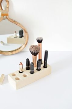 DIY easy make up storage @burkatron
