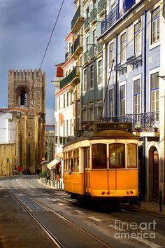 ✯ Lisbon Tram