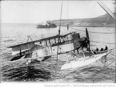 Avion anglais retour de reconnaissance [hydravion, 1916] : [photographie de presse] / [Agence Rol] - 1