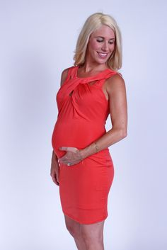 Wedding season is right around the corner. The chic and simple Coral Maternity Cutout Bodycon Dress from Heritwine Maternity. Friend Outfits, New Outfits, Cute Outfits, Maternity Dresses For Baby Shower, Spring Maternity, Maternity Boutique, Nursing Clothes, Bump Style, Maternity Fashion