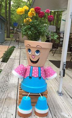 Flower Pot Art, Clay Flower Pots, Flower Pot Crafts, Ceramic Flower Pots, Clay Pots, Flower Pot People, Clay Pot People, Clay Pot Projects, Clay Pot Crafts