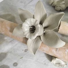 How to Make a Large Daffodil out of Clay - Cazamic