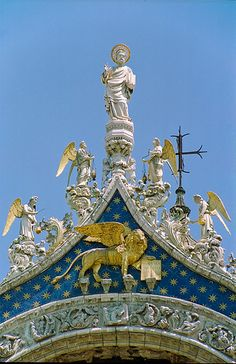 Basilica di San Marco - Venice; St Mark above his attribute, a winged lion.