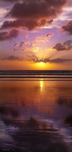 Bali sunset >>> I want to go back. One of the best sunsets you can find are in Bali, Indonesia.