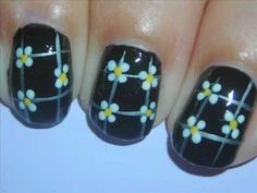 Nail Art - Lil' Daisies on Black - Decoracion de Uñas