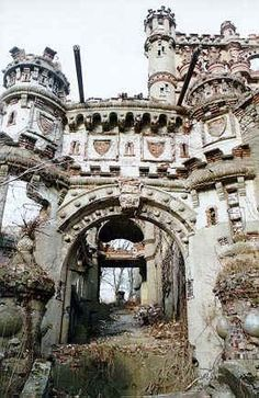 Bannerman's Castle, near Cornwall-on-Hudson, NY 1851-1918, historical monument, abandoned