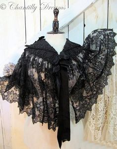 Breathtaking Rare Antique Victorian French Chantilly Lace & Jet Beaded Capelet Circa 1890