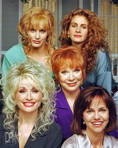 Daryl Hanna, Julia Roberts, Shirley McLaine, Dolly Parton & Sally Field as Steel Magnolias. Julia Roberts, Marvel Timeline, Steel Magnolias 1989, Divas, Best Classic Movies, The Daughter Movie, Musica Country, Tennessee, Daryl Hannah