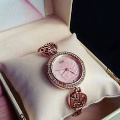 Fancy Watches, Trendy Watches, Ladies Bracelet Watch, Trendy Fashion Jewelry, Jewelry Design Earrings, Bridal Jewelry Sets, Beautiful Watches, Fashion Watches, Beige Shoes