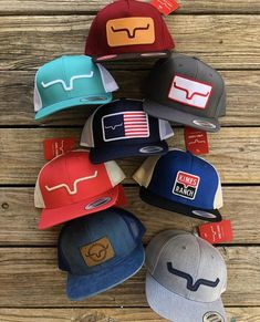 Kimes Ranch Banner Style & Mesh Back Trucker Hats ~ Snap Back Embroidered Detailing ~ Embroidered & Leather Patches Country Style Outfits, Southern Outfits, Country Girl Style, O Cowboy, Cowgirl Hats, Country Hats, Cute N Country, Western Wear, Western Style