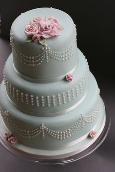 """Design Wedding Cakes and Toppers: Thre Tier Wedding Cake based in Peggy Porschens """"Tiffany"""" Cake"""