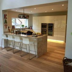 Island in a wall opening. Open Plan Kitchen Diner, Kitchen Layout, New Kitchen, Kitchen Dining, Soccer Bedroom, Conservatory Kitchen, Ceiling Design, Home Projects, Decoration