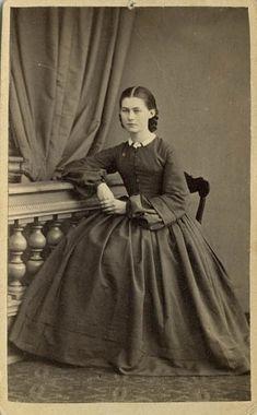 """Hulda Hasselgren, gift Kjerulf"" (Hulda Hasselgren, married Kjerulf), Sweden, 18055-65. Bohusläns Museum, nr. UMFA53226:0609"