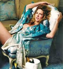 Diana Jean Krall, OC, OBC (born November is a Canadian jazz pianist and singer, known for her contralto vocals. She has sold more than 6 million al. Jazz Artists, Jazz Musicians, Music Artists, Diana Krall, Trailer Peliculas, Elvis Costello, Women Of Rock, Women In Music, Smooth Jazz