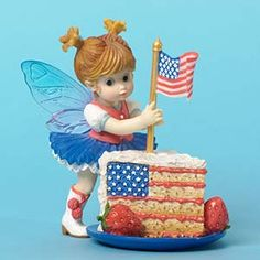My Little Kitchen Fairies Little Patriotic Cake Fairie, Celebrate 4th of July with this traditional cake slice served by our adorable little fairie.