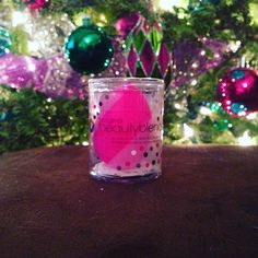 Santa must appreciate flawless foundation because he left me a @beautyblender . ❤️ This is my favorite especially for concealer & getting into tight spaces. #StockingStuffer #MerryChristmas #BeautyBlender #MakeupSponge #beauty #Makeup #BestOf2015 #Influenster