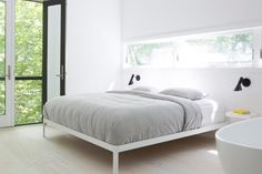Contemporary bedroom. Red Dirt Rd House by Amee Allsop