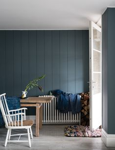 British paint manufacturer Farrow & Ball has expanded its extensive color card with nine new shades. Carefully chosen to balance Farrow & Ball'. Office Paint Colors, Kitchen Paint Colors, Paint Colors For Home, House Colors, Paint Colours, Farrow Ball, Farrow And Ball Paint, Farrow And Ball Living Room, Farrow And Ball Kitchen