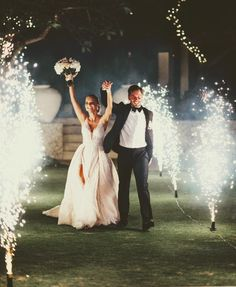Top 10 Luxury Wedding Venues to Hold a 5 Star Wedding - Love It All Luxury Wedding Venues, Luxury Wedding Dress, Glamorous Wedding, Princess Wedding Dresses, Romantic Weddings, Bali Wedding, Dream Wedding, Wedding Day, Tent Wedding