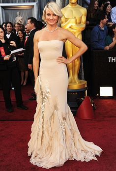 Cameron Diaz wore a strapless nude Gucci gown to the 2012 Oscars. (Photo: Getty Images)