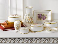 A collection of floral giftware