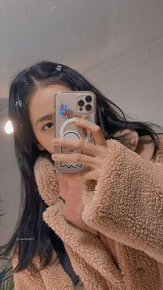 Kpop Girl Groups, Kpop Girls, Black Pink ジス, Blackpink Poster, Mode Kpop, Lisa Blackpink Wallpaper, Blackpink Photos, Blackpink Fashion, Jennie Blackpink