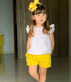 Stylish Dresses For Girls, Frocks For Girls, Kids Frocks, Kids Outfits Girls, Little Girl Dresses, Girl Outfits, Little Girl Fashion, Toddler Fashion, Kids Fashion