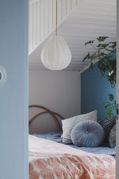 Shop Taklampa droppe ECO 36 cm from Lampverket unika lampor & lampskärmar in Lamp shades, available on Tictail from kr Interior Decorating, Interior Design, Eco Friendly House, Home Pictures, Sustainable Living, Sustainable Energy, Green Building, Hanging Chair, Bean Bag Chair