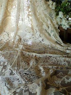 Beautiful piece of lace !