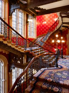 """""""St. Pancras Renaissance Hotel, London's heritage-hotel revival has finally reached a high point"""" !!!"""