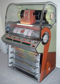 Seeburg VL200 jukebox  c.1957 The first jukebox model to offer 200 selections