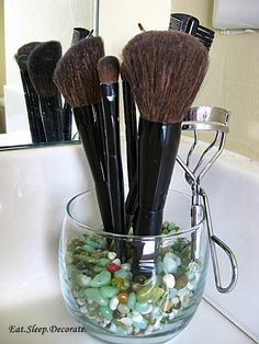 diy organize things: fill container with small pebbles and just press items in; pencils, brushes, etc