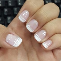 Prized by women to hide a mania or to add a touch of femininity, false nails can be dangerous if you use them incorrectly. Types of false nails Three types are mainly used. Mint Nails, Beige Nails, Neutral Nails, Yellow Nails, Violet Nails, Rose Gold Nails, Pink Nail Colors, Fall Nail Colors, Nail Polish