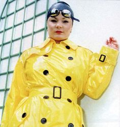 https://flic.kr/p/Cd5gWv | Yellow Trench Coat Queen with a rubber bath cap on