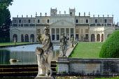 VILLA PISANI Great Places, Places To See, Doge Of Venice, Big Mansions, The Beautiful Country, Visit Italy, Classical Architecture, Architectural Elements, Historic Homes