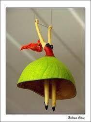 Afbeeldingsresultaat voor palhaços em esculturas de papel