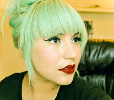 This is such a pretty shade of pale green. I'd love to try it on part of my hair at least.