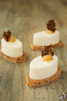 :) Mousse de gorgonzola con peras y pan de especias | Más en https://lomejordelaweb.es/