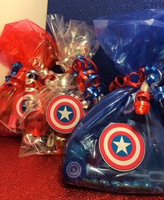 Wow your guests with these handmade party bags! Each toy included is tailored to the Captain America theme! - Visit to grab an amazing super hero shirt now on sale! Avengers Birthday, Superhero Birthday Party, 4th Birthday Parties, Birthday Party Favors, 5th Birthday, Spider Man Party, Avenger Party, Captain America Party, Captain America Birthday
